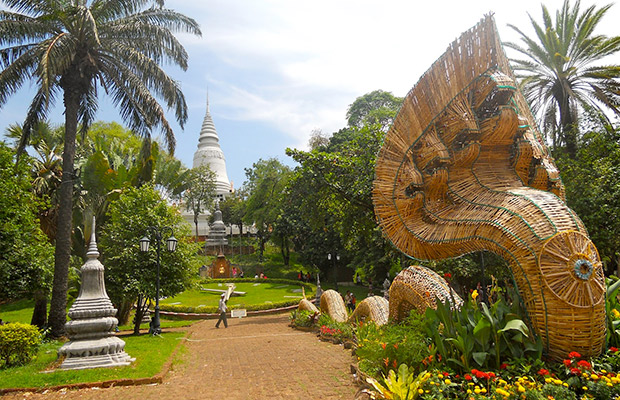 Amazing Phnom Penh Highlights City Tour