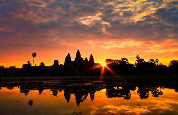 Angkor Temple Private Tour with Best Sunset View