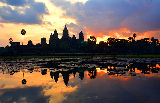 Angkor Tour by Tuk Tuk from Sunrise