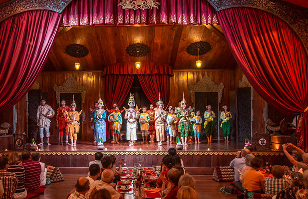Apsara Theatre Show at Angkor Village