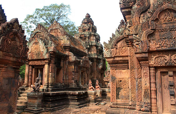 Explore Banteay Srei Day Trip Tour