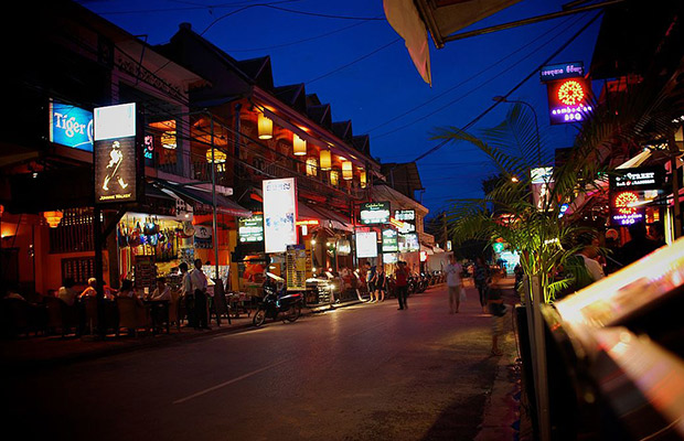 Explore Siem Reap Night Photography Tour