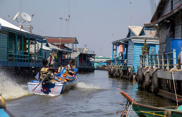 Kampong Luong Floating Village Resort