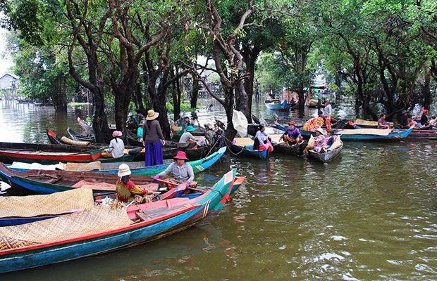 Kompong Phluk Floating Village and Tonle Sap Lake Tour