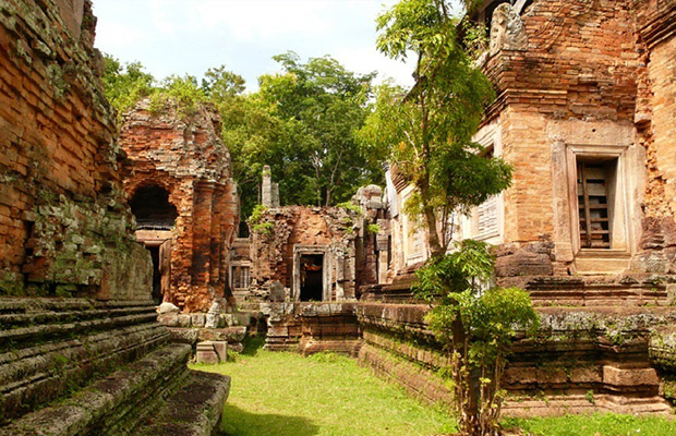 Phnom Chisor Temple Day Trip Tour from Phnom Penh