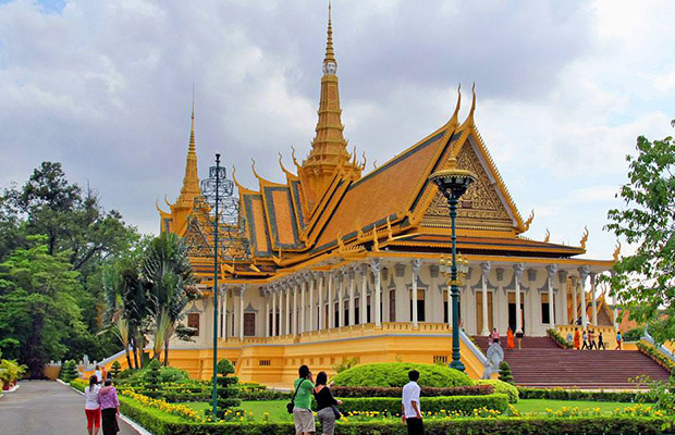 Phnom Penh Small City Tour