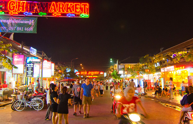 Walking Street Tour in Siem Reap City